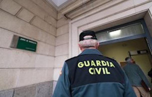 Imagen de archivo del acceso a un juzgado en Sevilla.