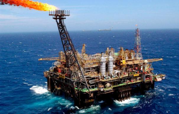 El crudo OPEP detiene su carrera alcista y cotiza a 105,28 dólares/barril