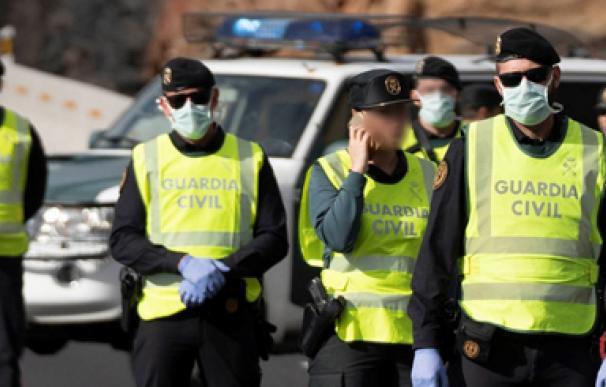 Guardia Civil ancha mascarillas