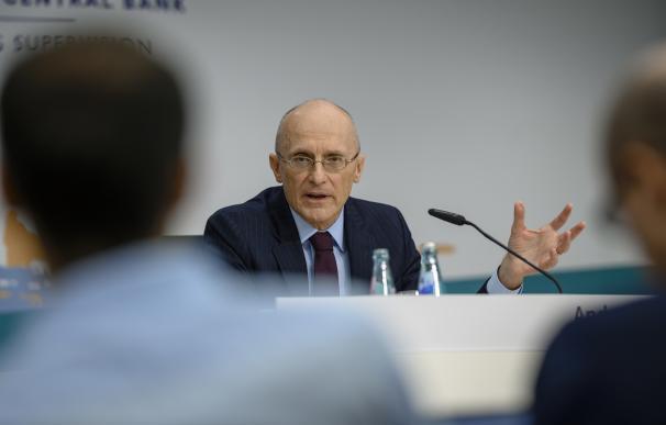 Andrea Enria preside el consejo de supervisión bancaria del BCE.