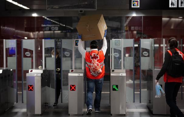 coronavirus Metro de Barcelona- vuelta al trabajo después de Semana Santa