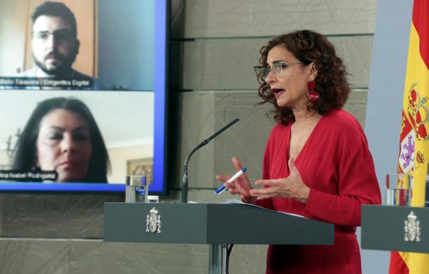 Montero 'amansa' a la Cultura y promete un paquete de medidas para el 28 de abril