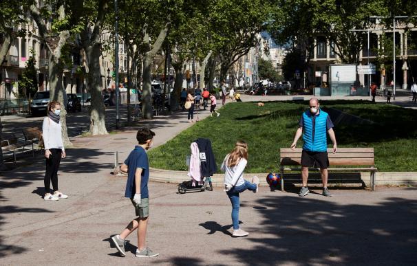 Niños jugando en Barcelona