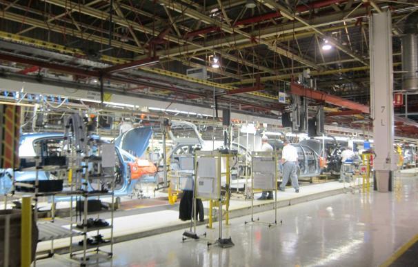 Empleados de Opel en Figueruelas vuelven al trabajo tras ratificarse la venta de la firma europea a PSA