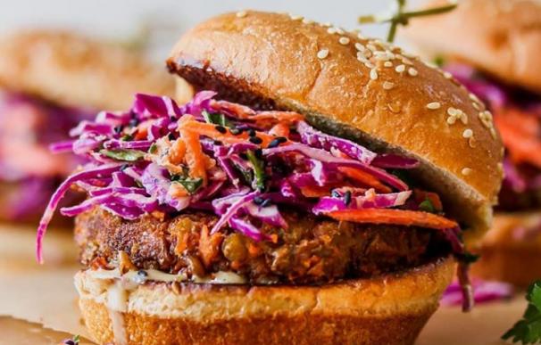 Fotografía de la hamburguesa sana de lentejas que triunfa en Instagram.