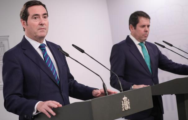El presidente de la CEOE, Antonio Garamendi y el presidente de Cepyme, Gerardo Cuerva, Jesús Hellín