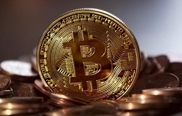El Bitcoin paga las dudas regulatorias. /Michael Wuensch/ Pixabay