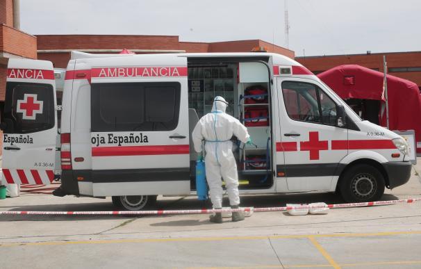 Un sanitario durante el coronavirus en España