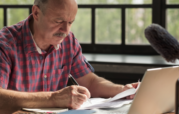 Fotografía de un jubilado que cotizó menos de 15 años a la Seguridad Social. Para ellos existe la pensión de jubilación no contributiva.