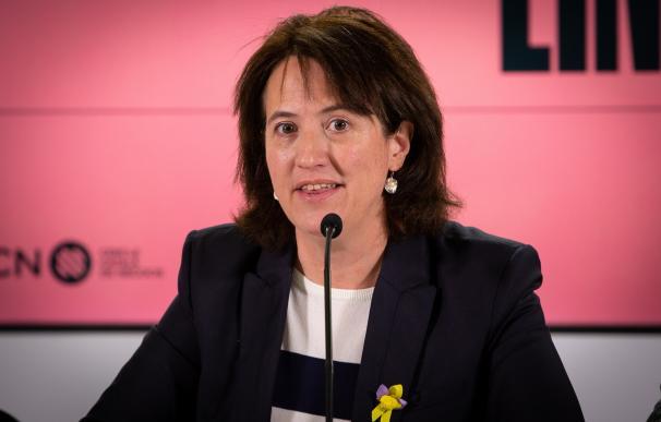 La presidenta de la Assemblea Nacional Catalan (ANC), Elisenda Paluzie, ofrece declaraciones a los medios de comunicación tra la victoria de los independentistas en las elecciones a la Cambra de Comerç.