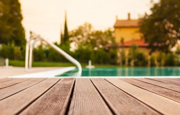 Foto de archivo: piscinas