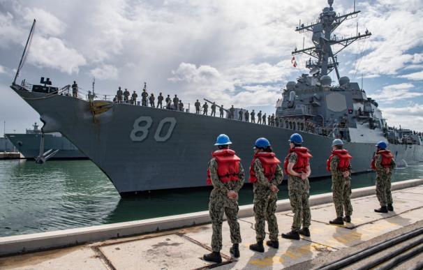 El 'USS Roosvelt' llega a Rota y arranca la renovación de la flota en el suelo español