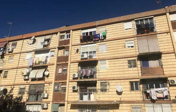 Bloque de pisos en el polígono de La Paz