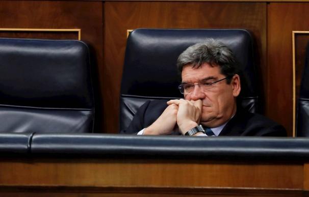 José Luis Escrivá, sólo en el Congreso / EFE