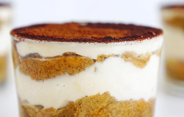 Fotografía de la receta de Tiramisú sana de Auxy Ordóñez que triunfa en Instagram y Youtube.