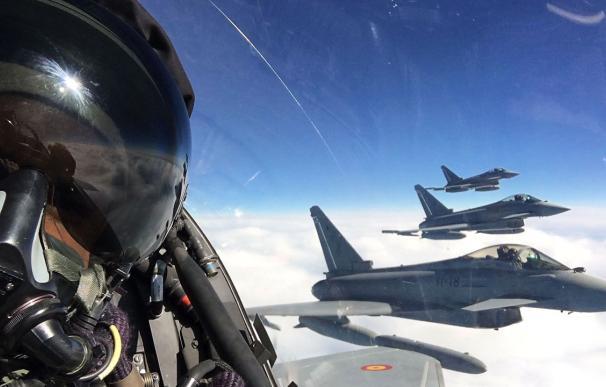 La odisea de 200 militares y ocho cazas atrapados en Las Vegas en pleno Covid