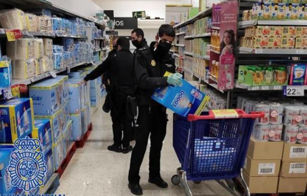Los agentes del CNP en San Fernando hicieron una colecta entre la plantilla para comprar pañales y potitos