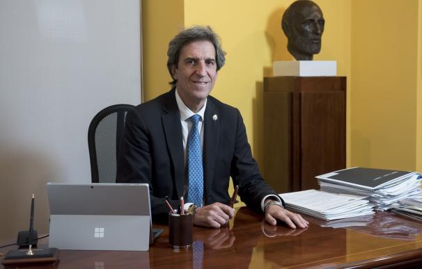 El presidente del Colegio de Médicos de Madrid, Miguel Ángel Sánchez Chillón
