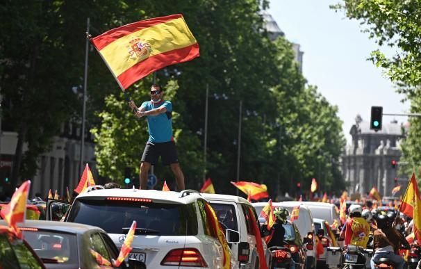 Manifestación en coche promovida por Vox en Madrid