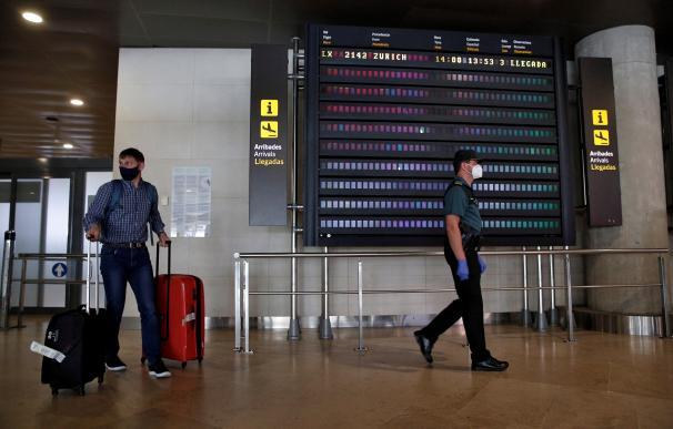 Llegada de pasajeros al aeropuerto valenciano de Manises el pasado 21 de mayo, primer vuelo internacional al que se aplicó la cuarentena