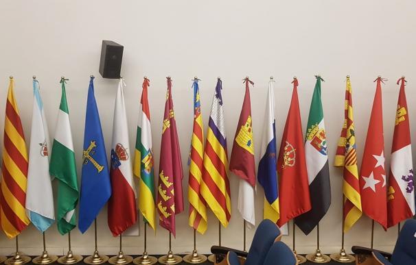 Banderas autonomías, CCAA, comunidades autónomas