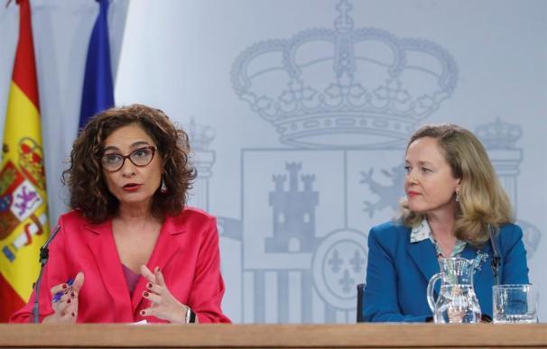Fotografía María Jesús Montero y Nadia Calviño / EFE