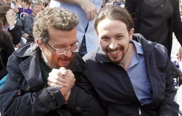 Pablo Iglesias junto a su padre Francisco Javier Iglesias