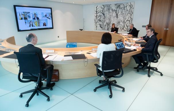 El presidente del Gobierno gallego, Alberto Núñez Feijóo, preside la reunión del Consello de la Xunta del 15 de mayo.