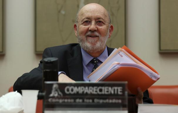El presidente del CIS, José Felix Tezános, comparece en la Comisión Constitucional del Congreso. /EFE