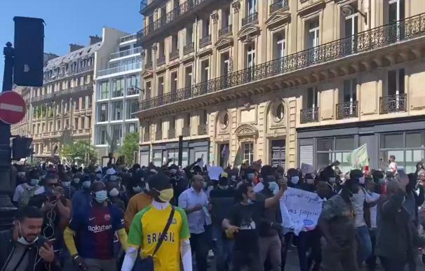92 detenidos en las protestas a favor de los derechos de los migrantes en París