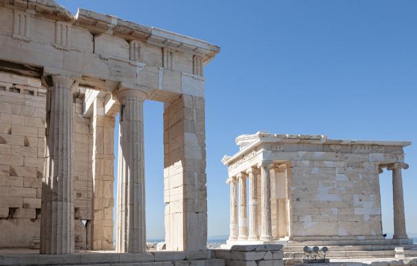 Grecia reduce su prima de riesgo por debajo de la italiana con la desescalada
