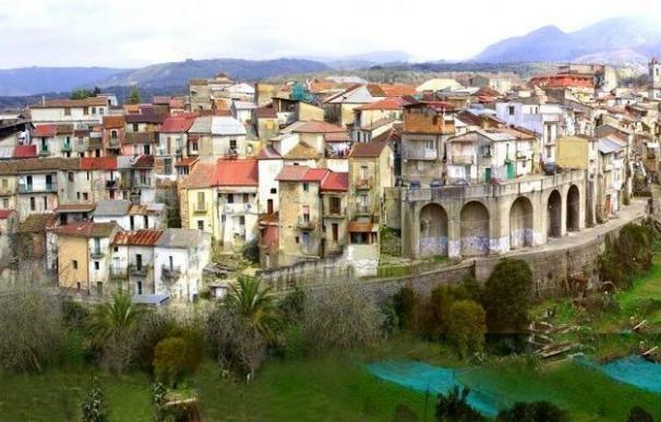 Cinquefrondi, otro pueblo que vende casas en Italia por un euro. La localidad está libre de coronavirus.