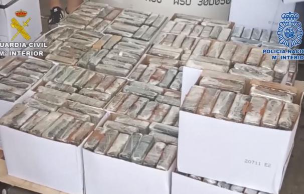 Incautados 3.800 kilos de cocaína en el puerto de Valencia en un mes durante el estado de alarma
