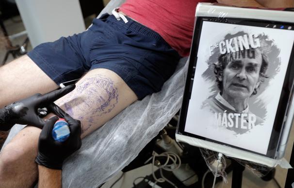 Tatuaje con la cara de Fernando Simón