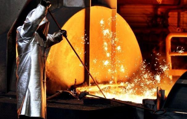 La industria reclama ayudas para abaratar la factura energética.