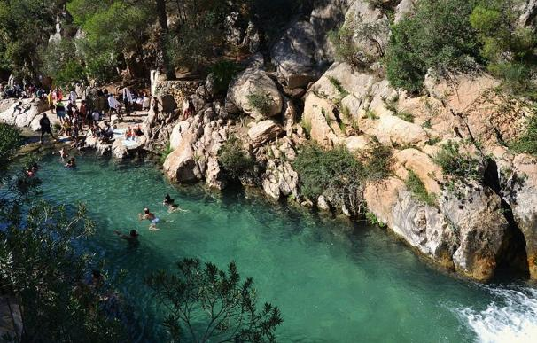 Una piscina natural en las Fuentes de Algar (Alicante).