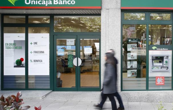 Imagen de archivo de una sucursal de Unicaja Banco.