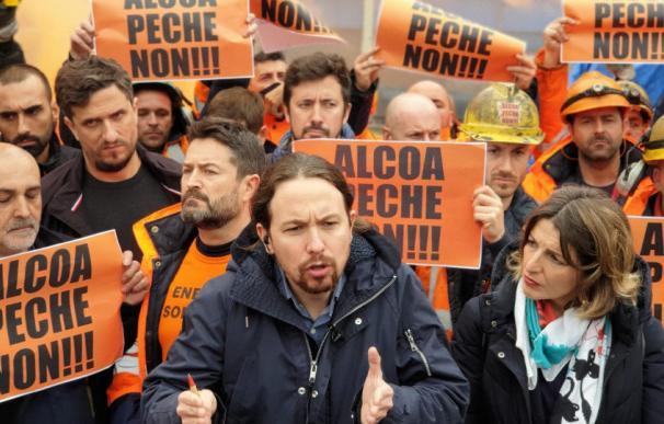 Pablo Iglesias y Yolanda Díaz, en una protesta por Alcoa antes de entrar en el Gobierno.