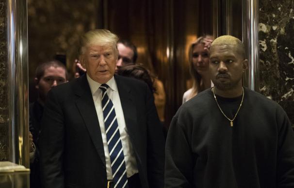 El presidente de EEUU, Donald Trump, junto al músico Kanye West, en una reunión reciente.