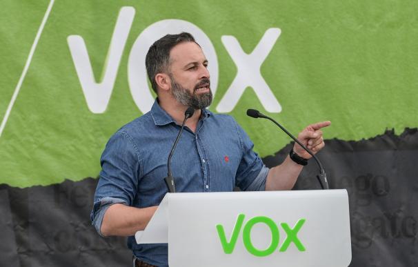 El presidente de Vox, Santiago Abascal, durante el acto electoral de Vox en A Coruña