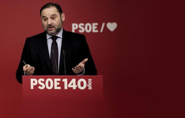 Ábalos abre la puerta a dar un préstamo participativo a Iberia sin tocar el capital