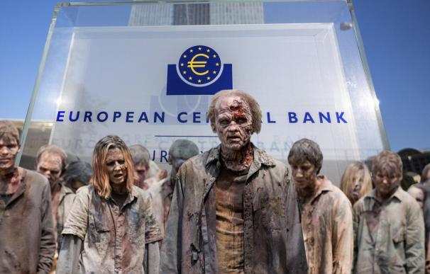 ¿Otra ola de asaltos a la deuda europea? El peligro de crear 'zombies' con el virus