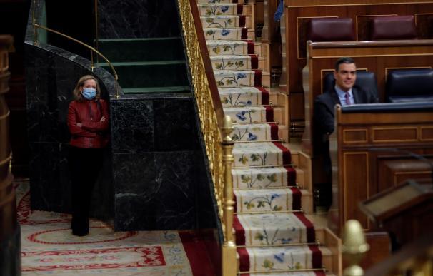 La derrota de Calviño en el Eurogrupo ha supuesto un fracaso para España pero Sánchez tampoco tenía muchas ganas de ver a su ministra convertida en la primera 'mujer de negro' de la Unión Europea
