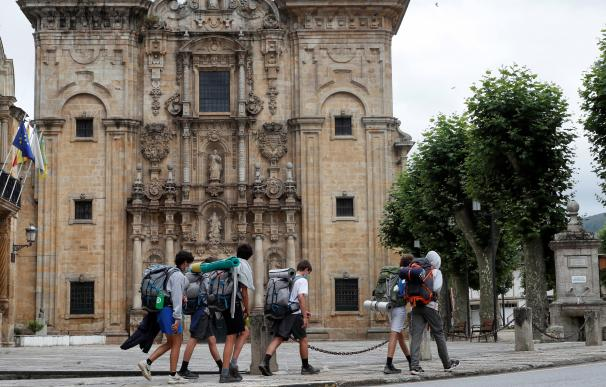 "Galicia da por ""controlado"" el brote de A Mariña (Lugo), que acumula 184 casos"