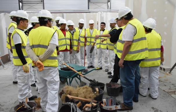 Trabajadores de la construcción reciben formación Trabajadores de la construcción reciben formación 16/7/2020