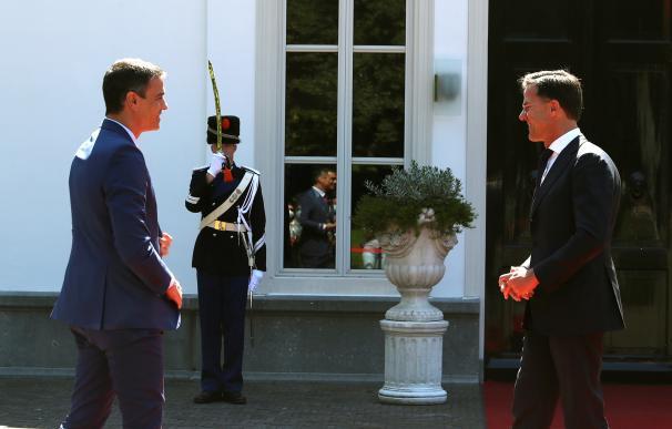 La gira europea de Sánchez se ha cerrado en balde esta semana. En la imagen, el presidente con su homólogo holandés, Mark Rutte