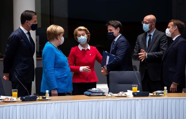 Los mandatarios europeos durante la cumbre sobre el fondo europeo