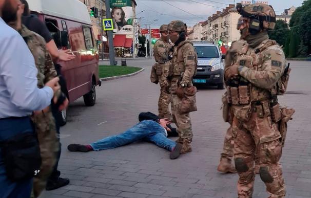 Liberados todos los rehenes retenidos en un autobús en Ucrania tras 12 horas