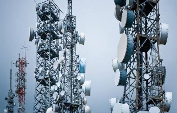 La 'fiebre del oro' en las telecos: así es la carrera por rentabilizar miles de torres