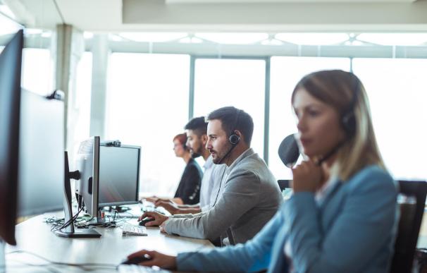 Los técnicos de atención al cliente están entre los empleos más demandados en 2020.